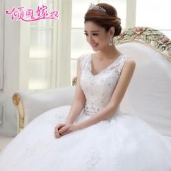 Одним из самых важных и отвественных дел для невесты во время подготовки к свадьбе, безусловно, является подбор свадебного платья